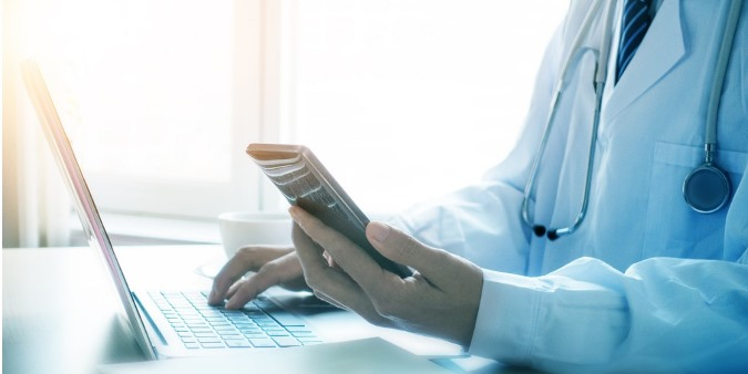 Healthcare organizations securely transitioning to cloud-based unified communications and using cloud UC services for patient communications.
